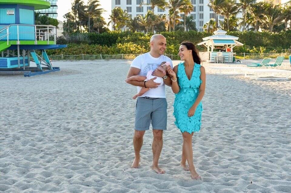 Евгений Ермаков с семьей в Майами