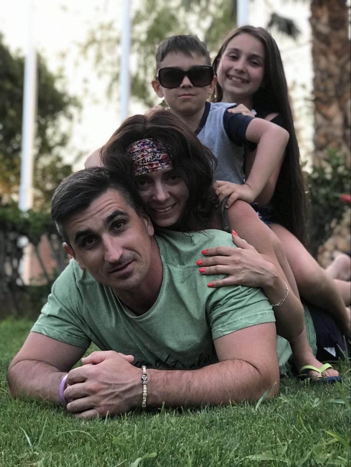 Николай Колдышев с семьёй